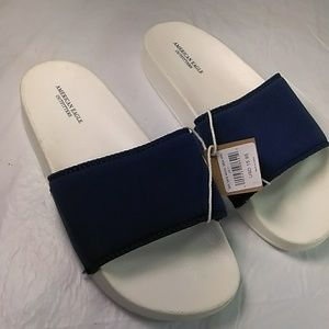 American Eagle Womens Size 7 slides B6